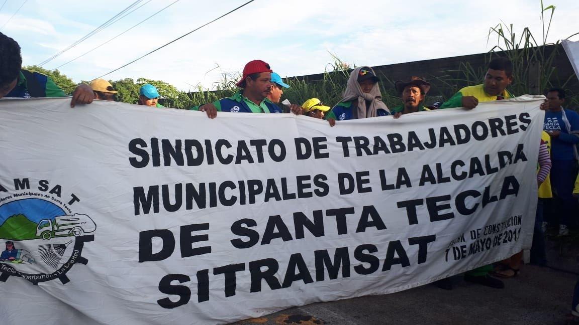 Carretera a San Salvador bloqueada por manifestantes