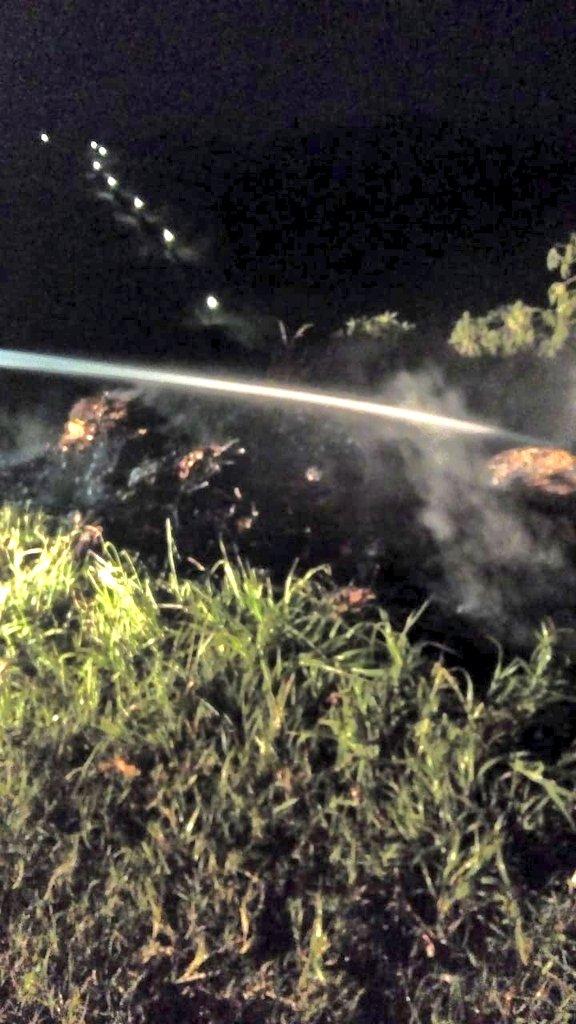 Bomberos sofoca incendio en predio baldío en Metapán