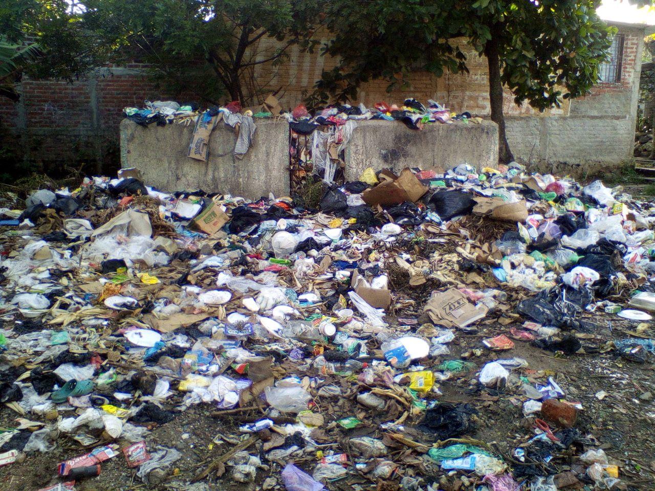 Santanecos molestos por problema de la basura