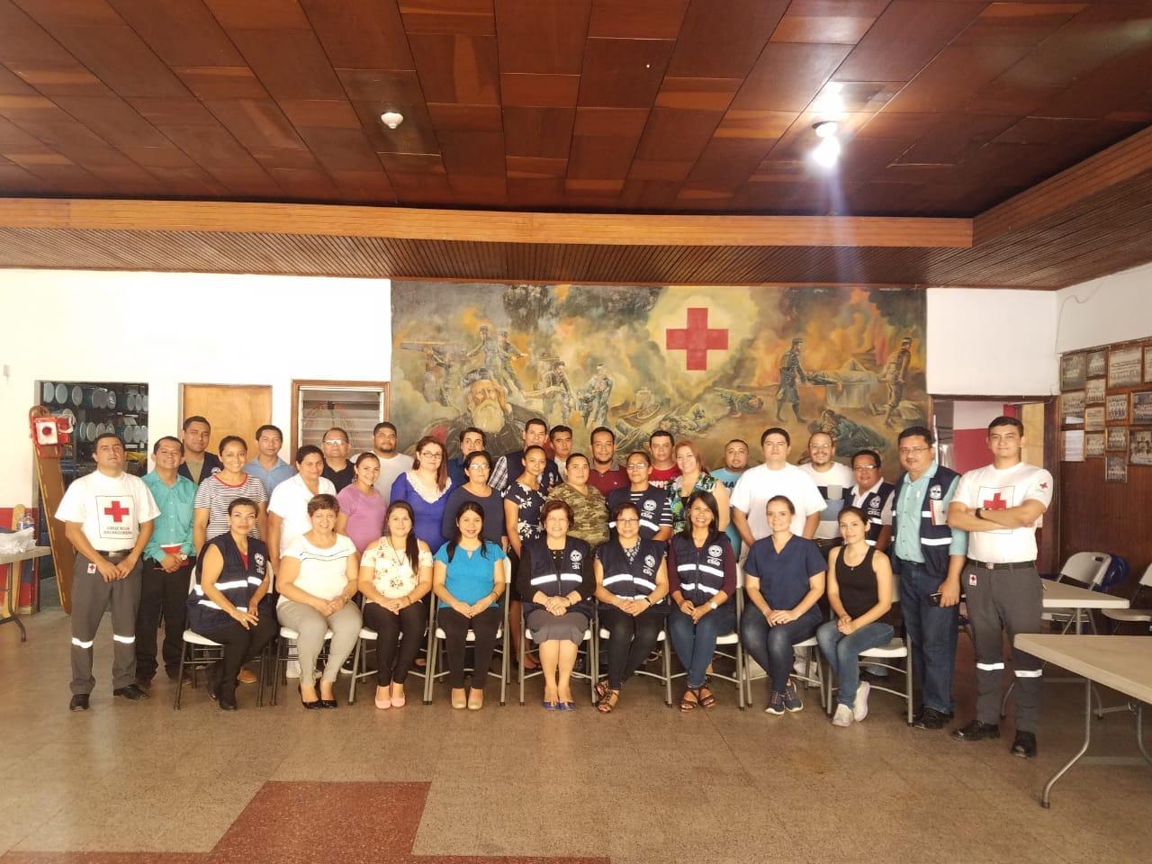 Cruz Roja brindó curso de Primeros Auxilios a personal administrativo de hospital San Juan de Dios