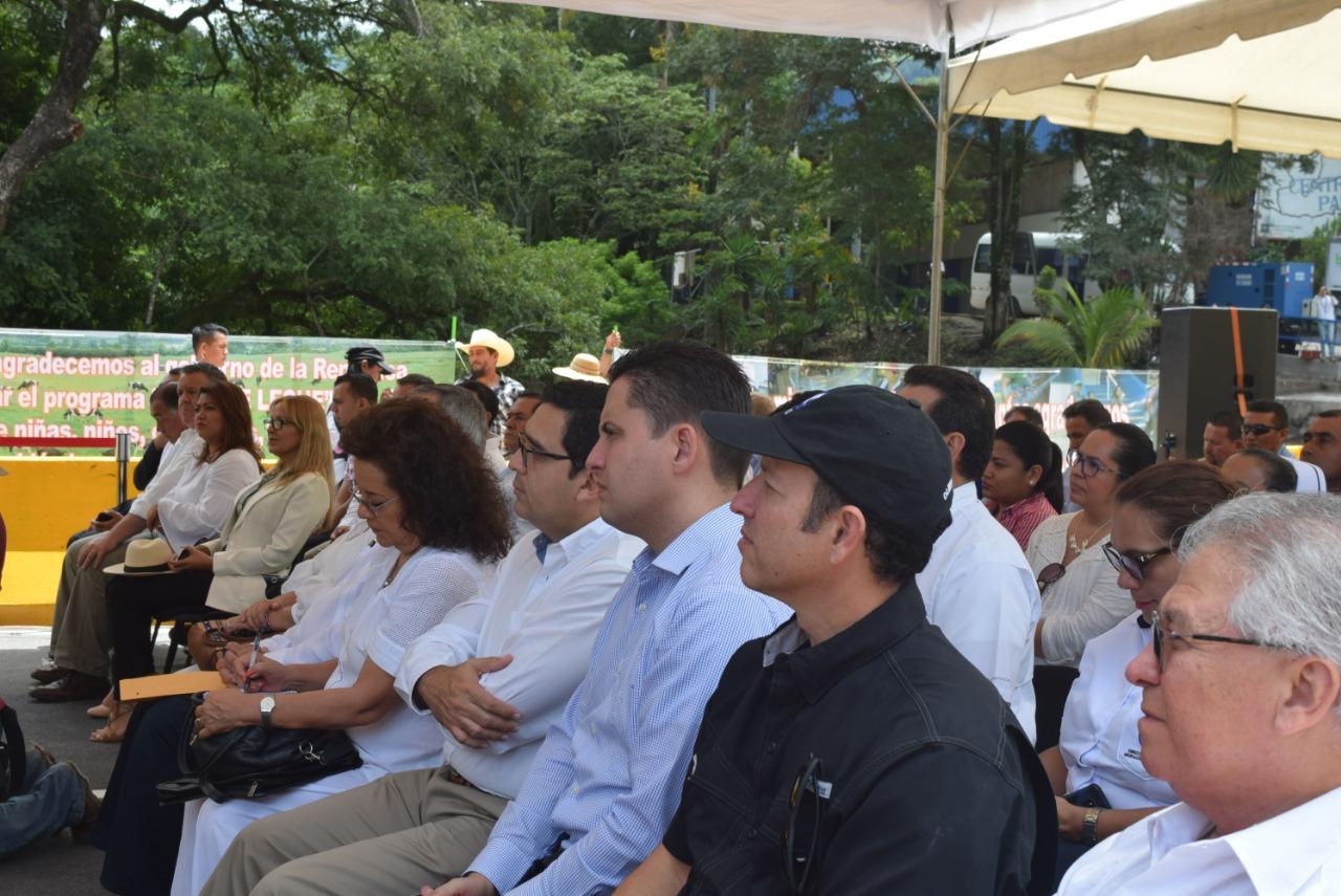 Se inaugura en El Salvador el puente de La Hermandad en frontera Anguiatu