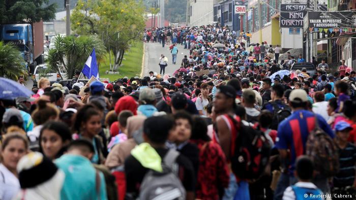 Alarma llegada a la frontera con Guatemala una caravana de migrantes hondureños