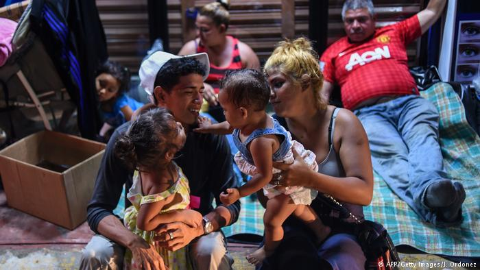 """México lanza plan """"Estás en tu casa"""" para migrantes"""