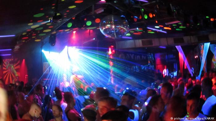 Advierten sobre bacteria mortal a clientes de club sexual de Berlín