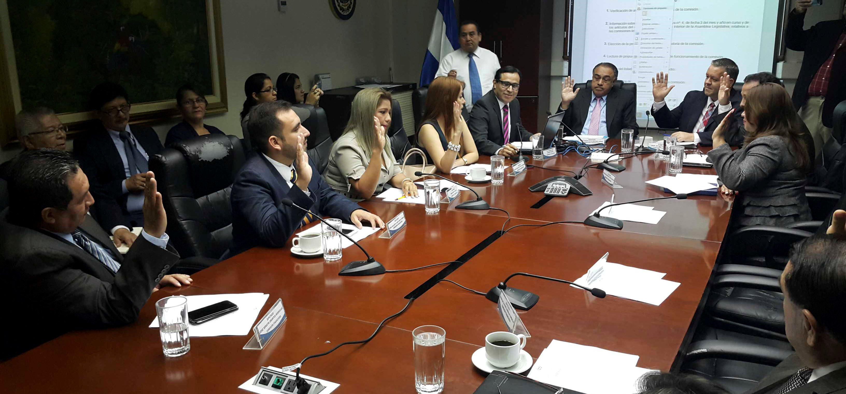 Comisión Financiera realizará foros regionales con las cooperativas