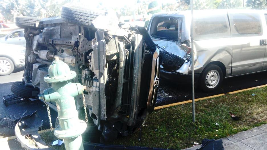 La imprudencia al volante, provocó accidente de transito en San Salvador.