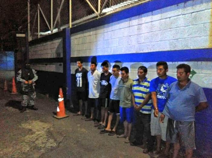 La policía de Sonsonate  detuvo  a nueve  pandilleros por limitar la libre circulación de la ciudadanos del municipio de San Julian.