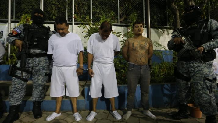 Detienen a sujetos vinculados a homicidio de vigilante de mercado capitalino