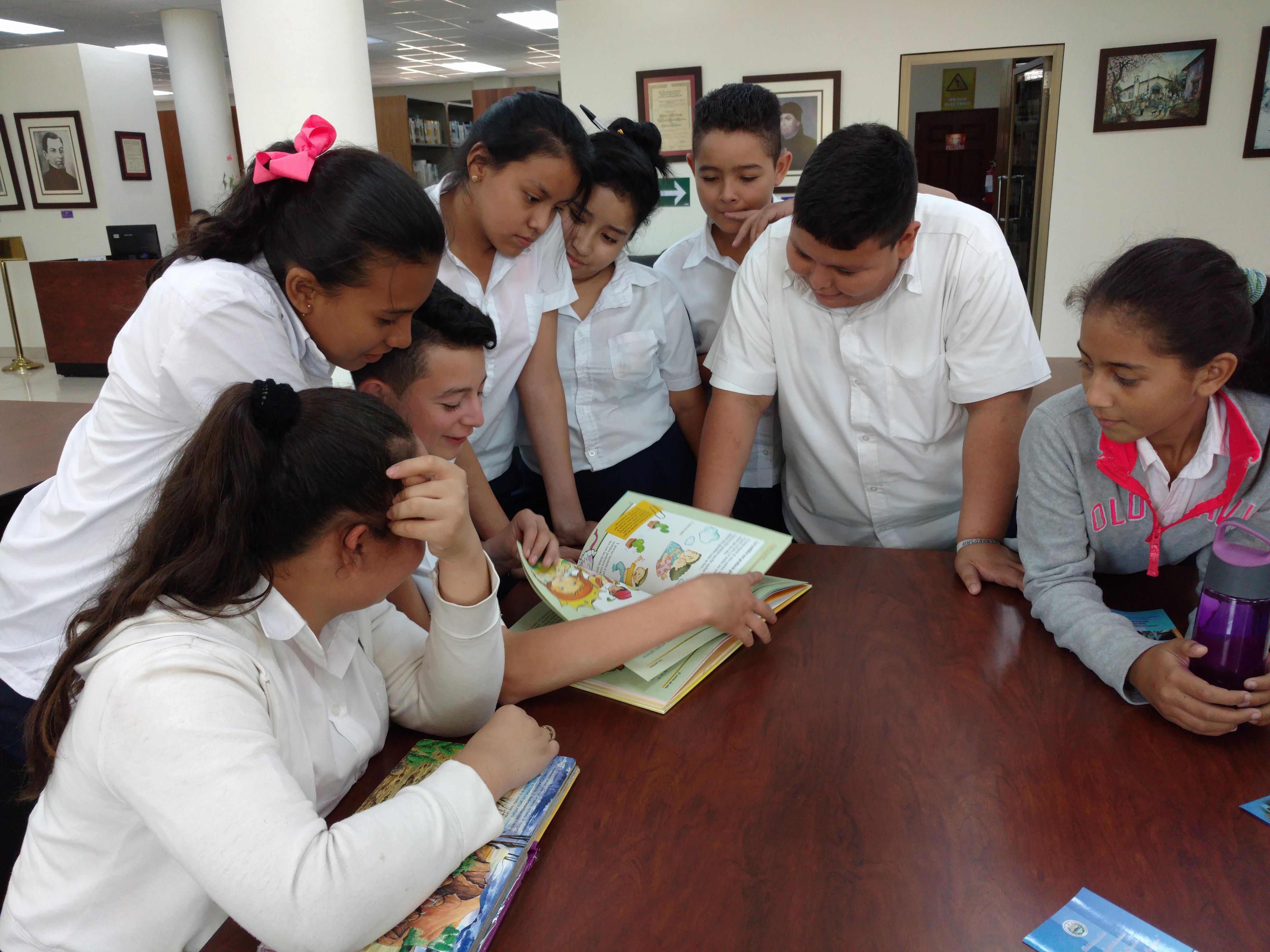 Reinician visitas de escuelas a la Biblioteca Legislativa