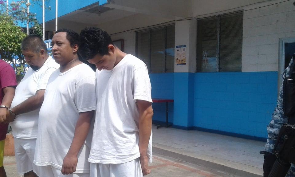 Joven es capturado por contrabando de cigarrillos