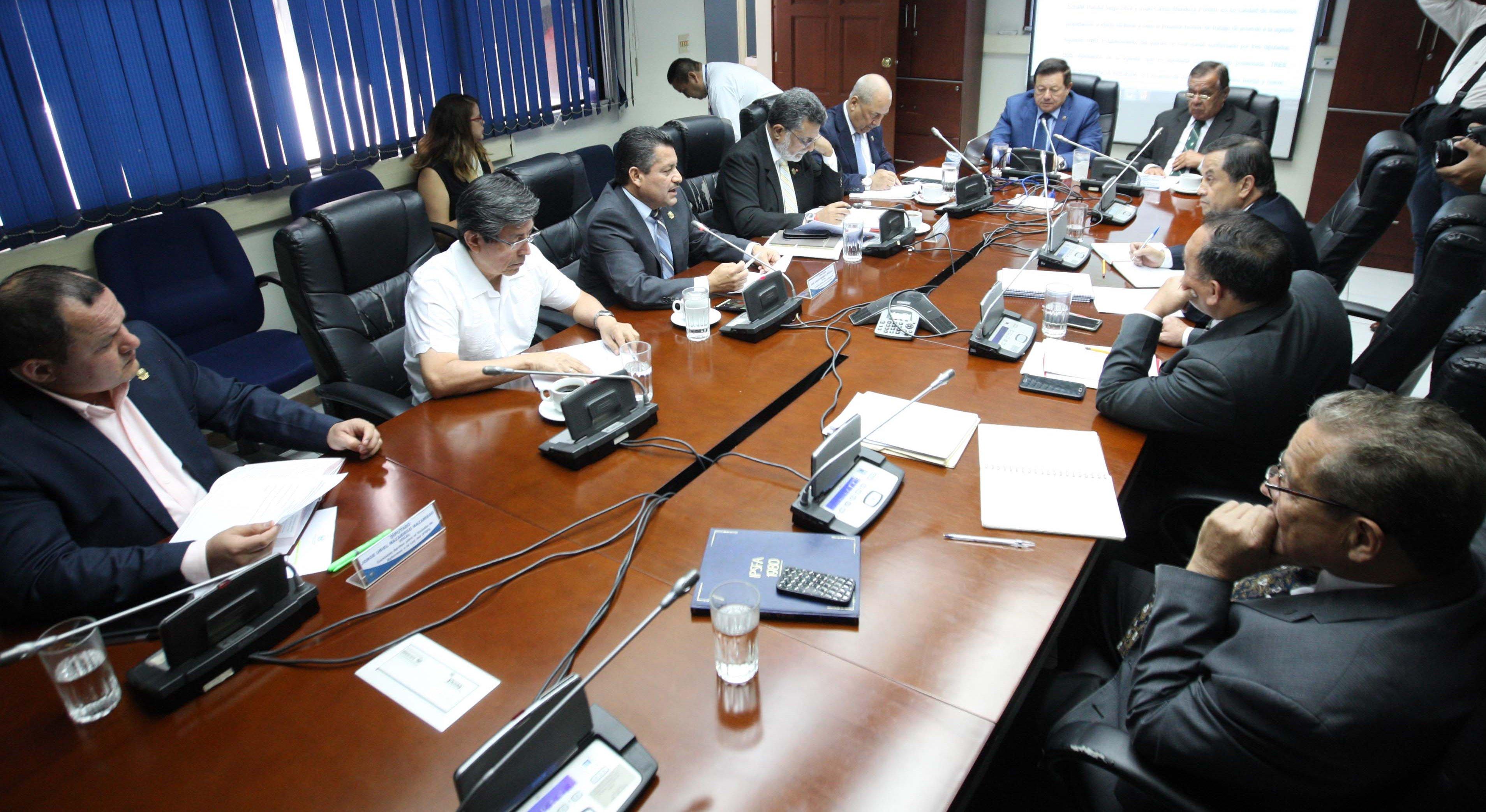 Continúa estudio de reformas a la Ley del IPSFA