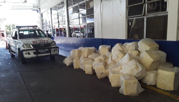 Tres detenidos por contrabando de queso