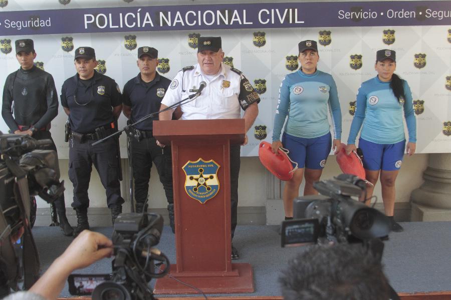 Más de 450 policías listos para brindar seguridad a turistas