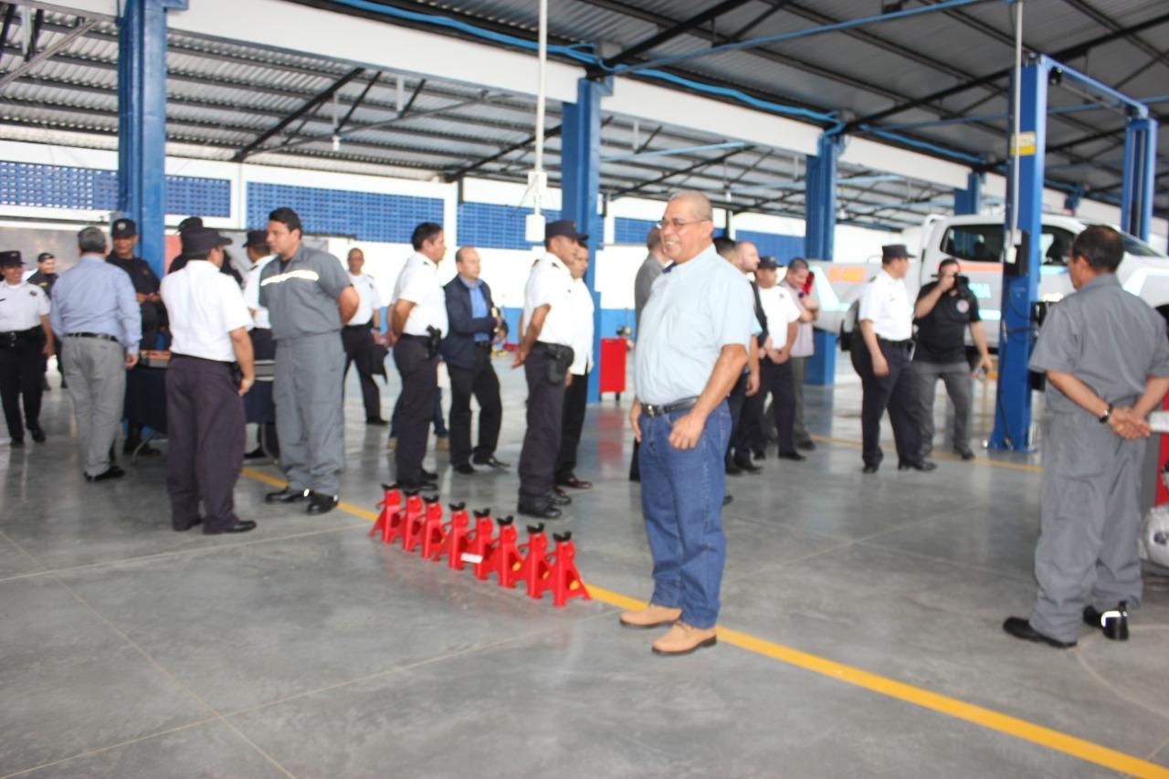 PNC en Santa Ana inauguró taller automotriz