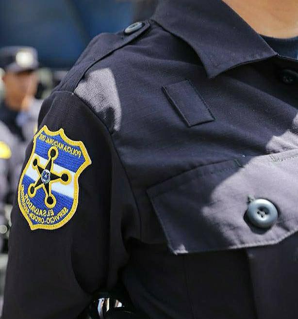 """En exitosa operación policial de """"entrega controlada"""" caen dos """"malos policías"""" que participaban en extorsión."""