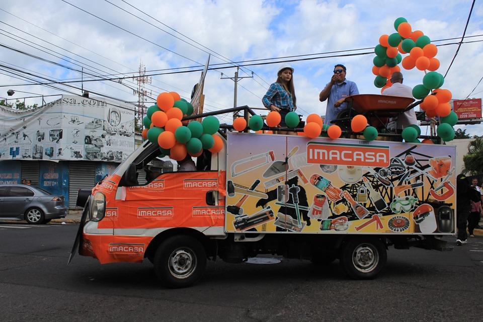 Desfile de la Cámara de Comercio y de las comunidades amenizan el fin de semana