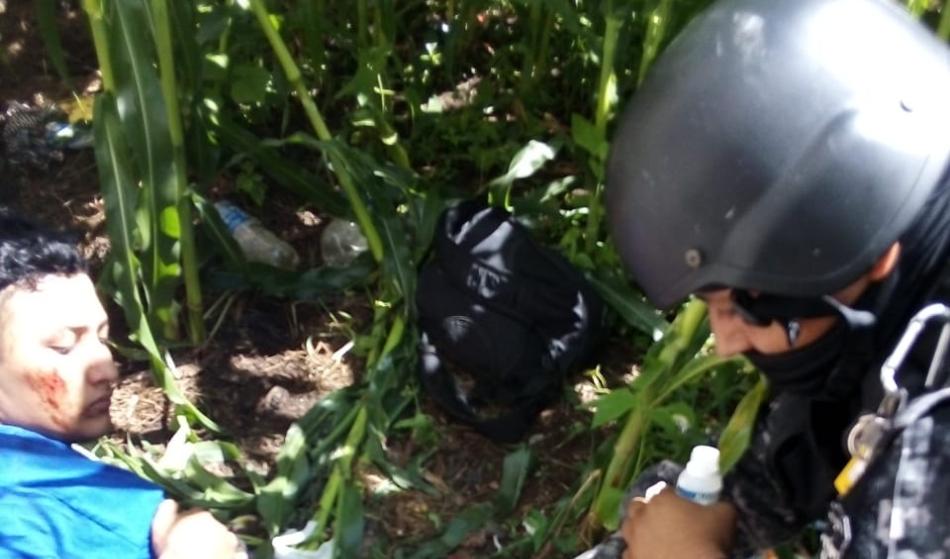 Jaguares rescatan a víctima cautiva dentro de un templo en Ahuachapán y hieren a uno de los captores