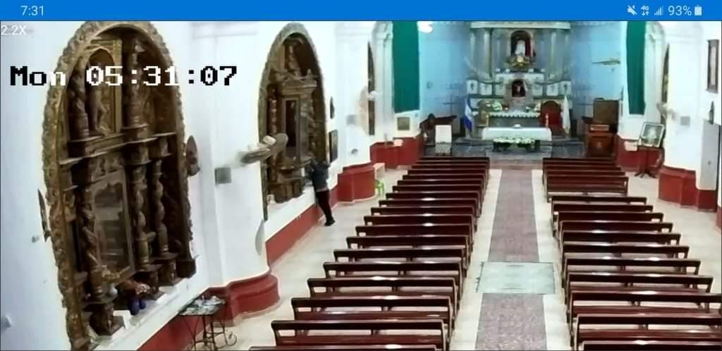 Roban imagen en Iglesia San Pedro Apóstol en Metapan