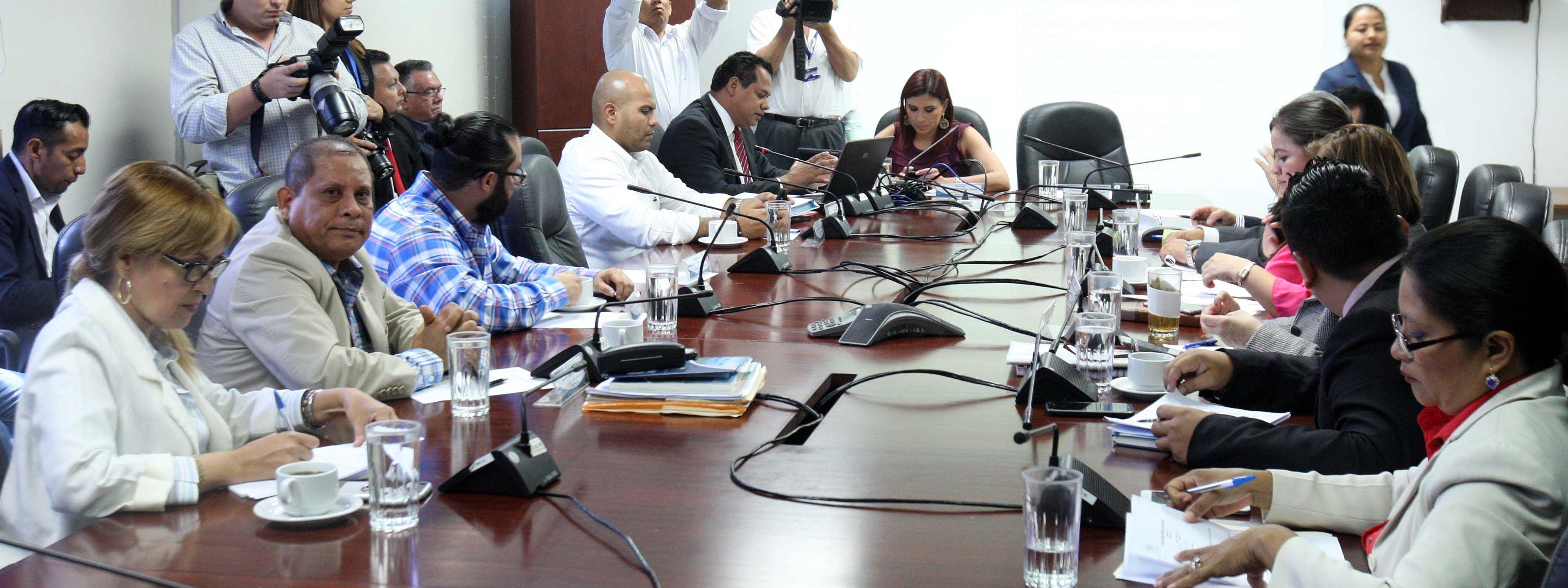 Abogan por una Ley de residuos en favor del medio ambiente y la salud de los salvadoreños