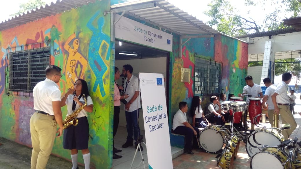 Lanzan proyecto de consejería escolar en Santa Ana