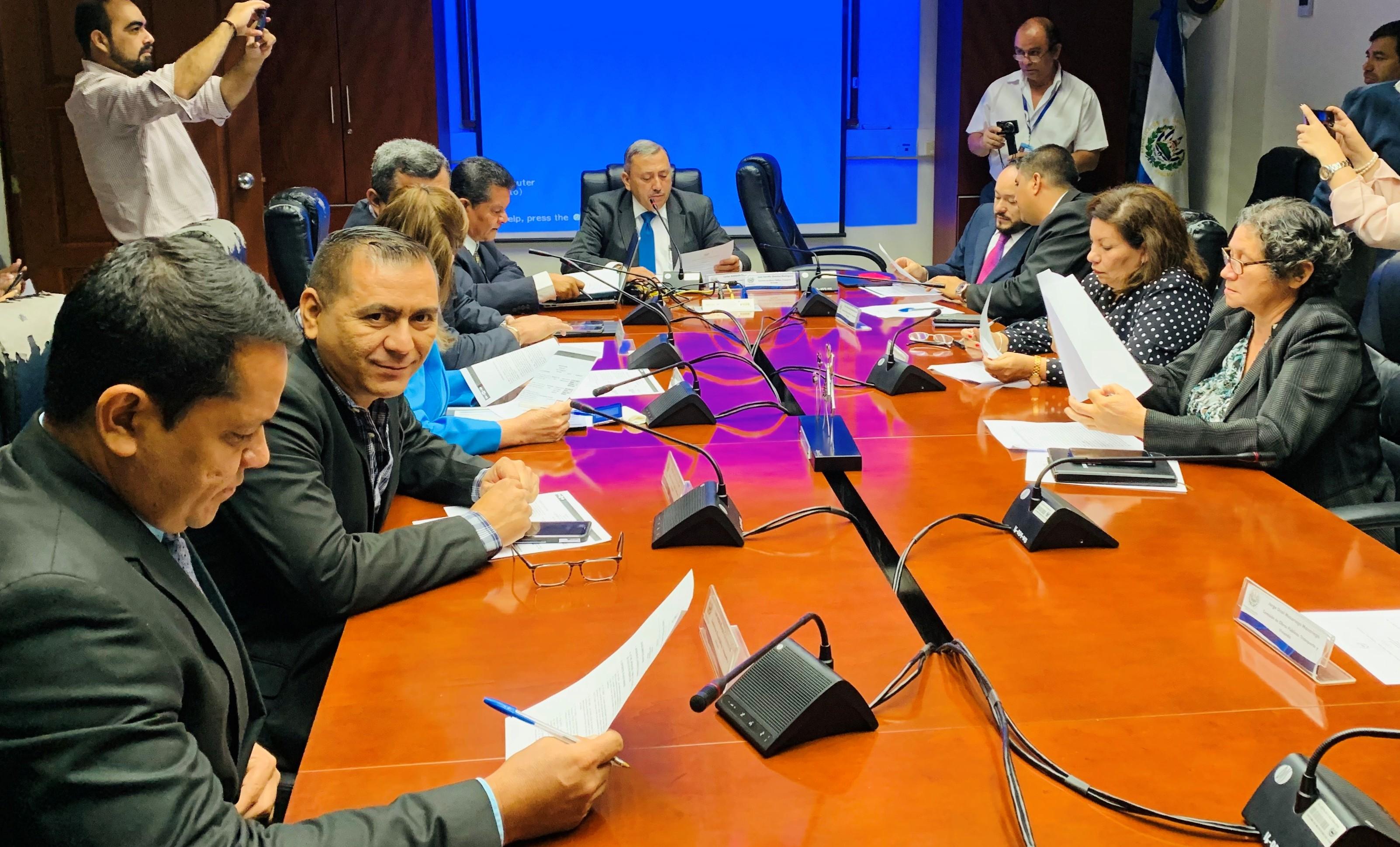 Recomendarán al MOP incluir en el presupuesto 2020 mejoras de carreteras en siete departamentos