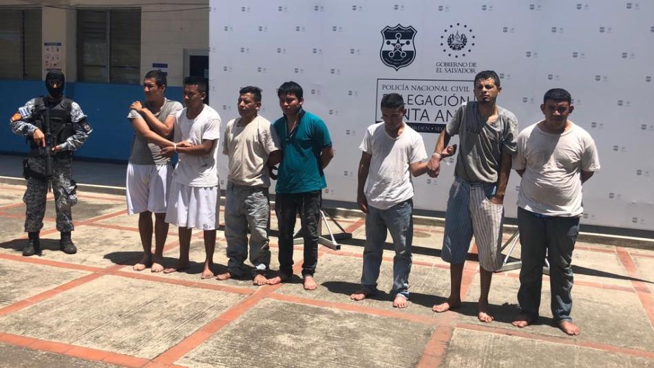 Agentes de la Sección Táctica Operativa (STO) arrestaron en Santa Ana a un sujeto buscado por asalto y violación.