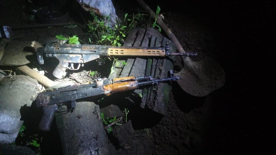 A cinco se elevan los fusiles AK47 incautados por la policía a clica en El Tránsito