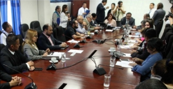 Buscan respuestas para otorgar permisos a habitantes de Las Colinas
