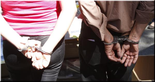 Detienen a sujeto armado y a prófuga por extorsión en San Miguel