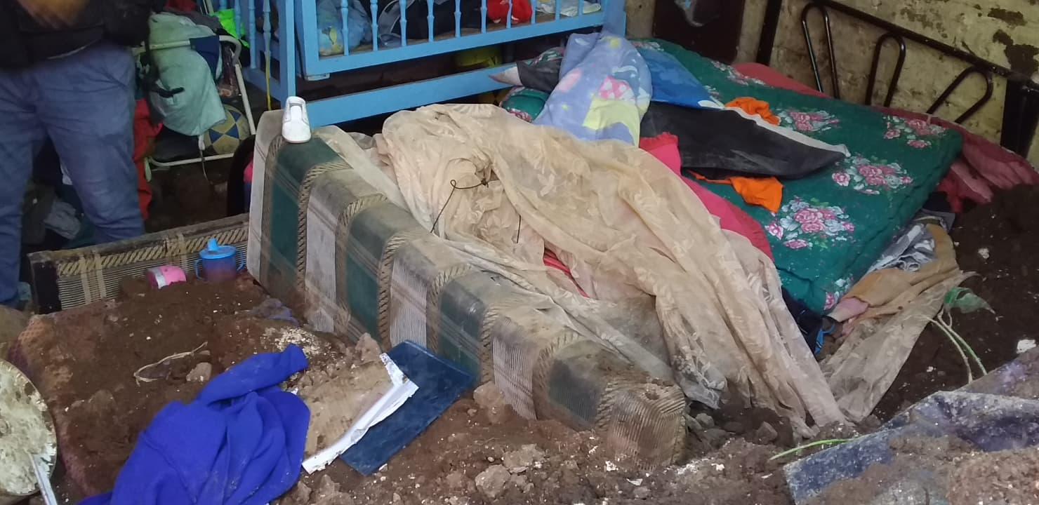 Pareja junto a su bebé de 8 meses mueren soterrados
