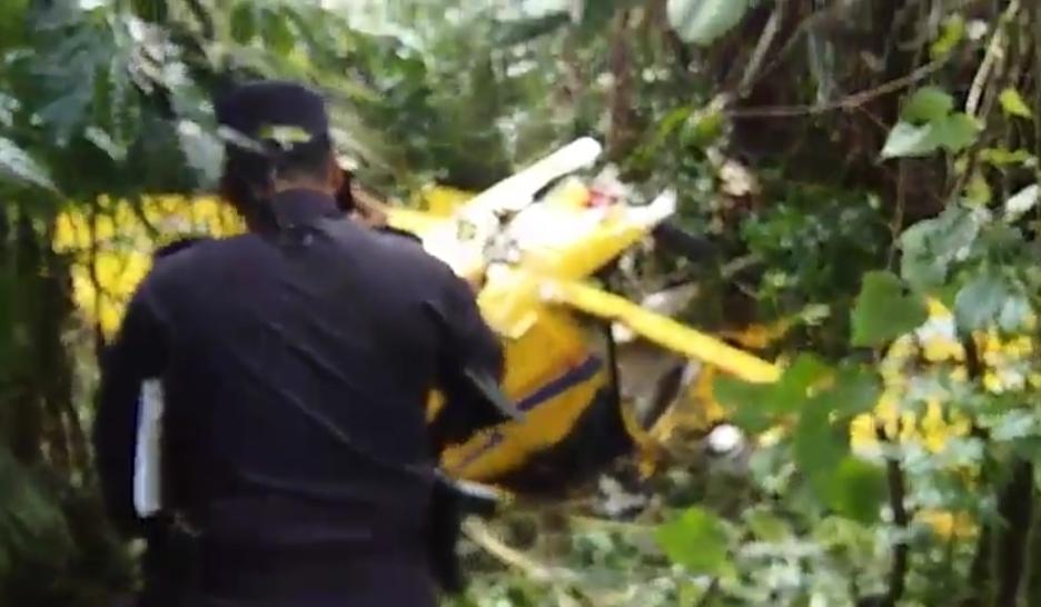 Avioneta se desploma y hay cuatro lesionados
