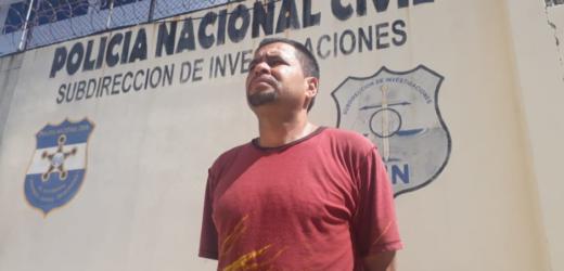 Cae adulto que concentraba el dinero que pandilla exigía a comerciantes del centro capitalino
