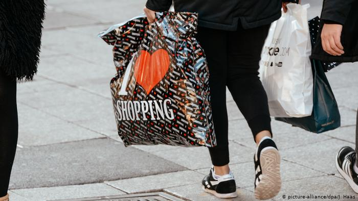 EE. UU. rompe récord histórico de compras por internet durante el «Black Friday»