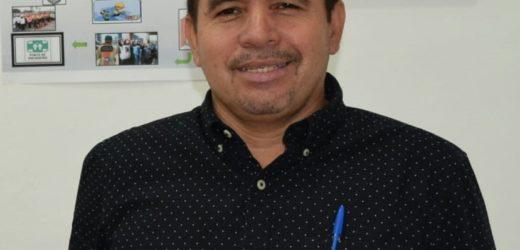 Hugo Flores :  En busca del Desarrollo de Santa Rosa Guachipilin