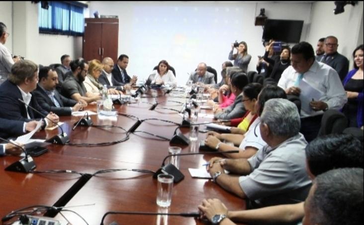 Diputados y Ministros buscan soluciones a problema de la contaminación en Sitio del Niño