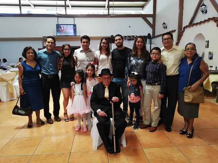 Familiares y amigos despidieron a Carlos Vidaurre – Santaneco de corazón
