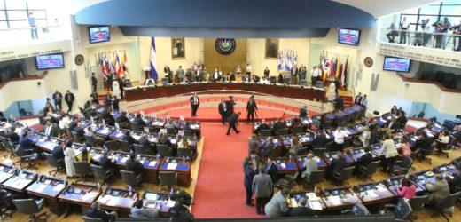 Mañana martes será sesión solemne por asumir la Presidencia el diputado Mario Ponce
