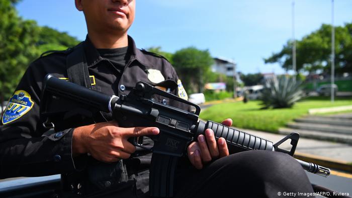 El Salvador: policías condenados por simular enfrentamiento para asesinar a adolescentes