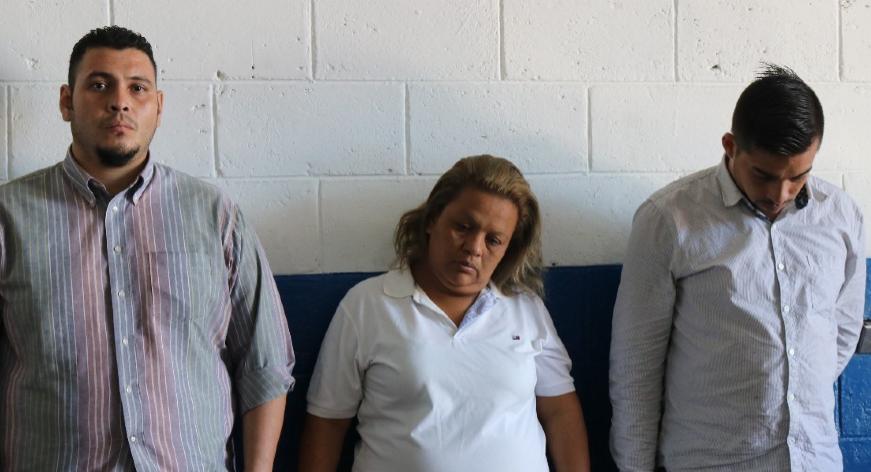 Capturan a 3 asaltantes de pasajeros de unidades del transporte en Antiguo Cuscatlán