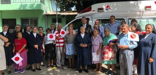 Japón entrega Ambulancia a Beneficio de Hogar de Ancianos
