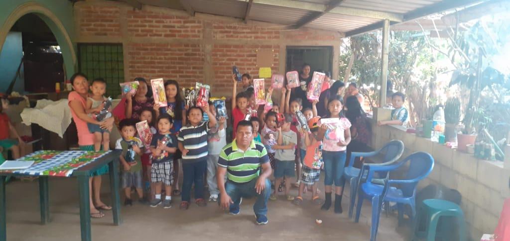 Comunidad de Caserio Dos Puertas del Municipio de Santa Catarina Masahuat en Sonsonate se beneficia con proyectos
