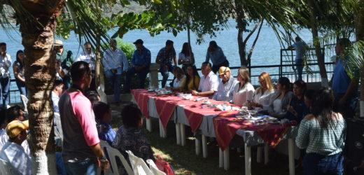 Diputados de la Comisión de Medio Ambiente de El Salvador, realizan visita de campo en el lago Suchitlan