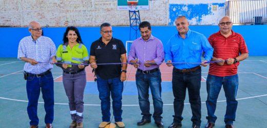 Escuela de Metapán es beneficiada con proyectos de Holcim y Alcaldía