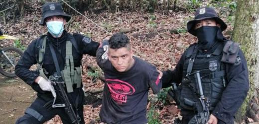 Policía captura en Sonsonate a sujeto con arma de fuego ilegal
