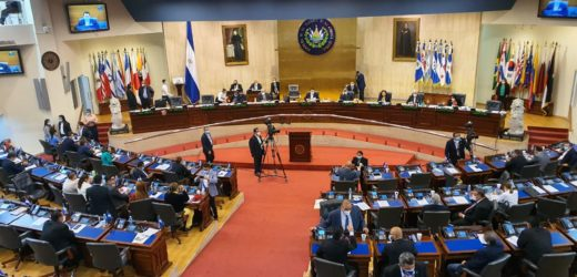 Ratifican ley de estado de emergencia nacional y medidas de protección de salud ante COVID-19
