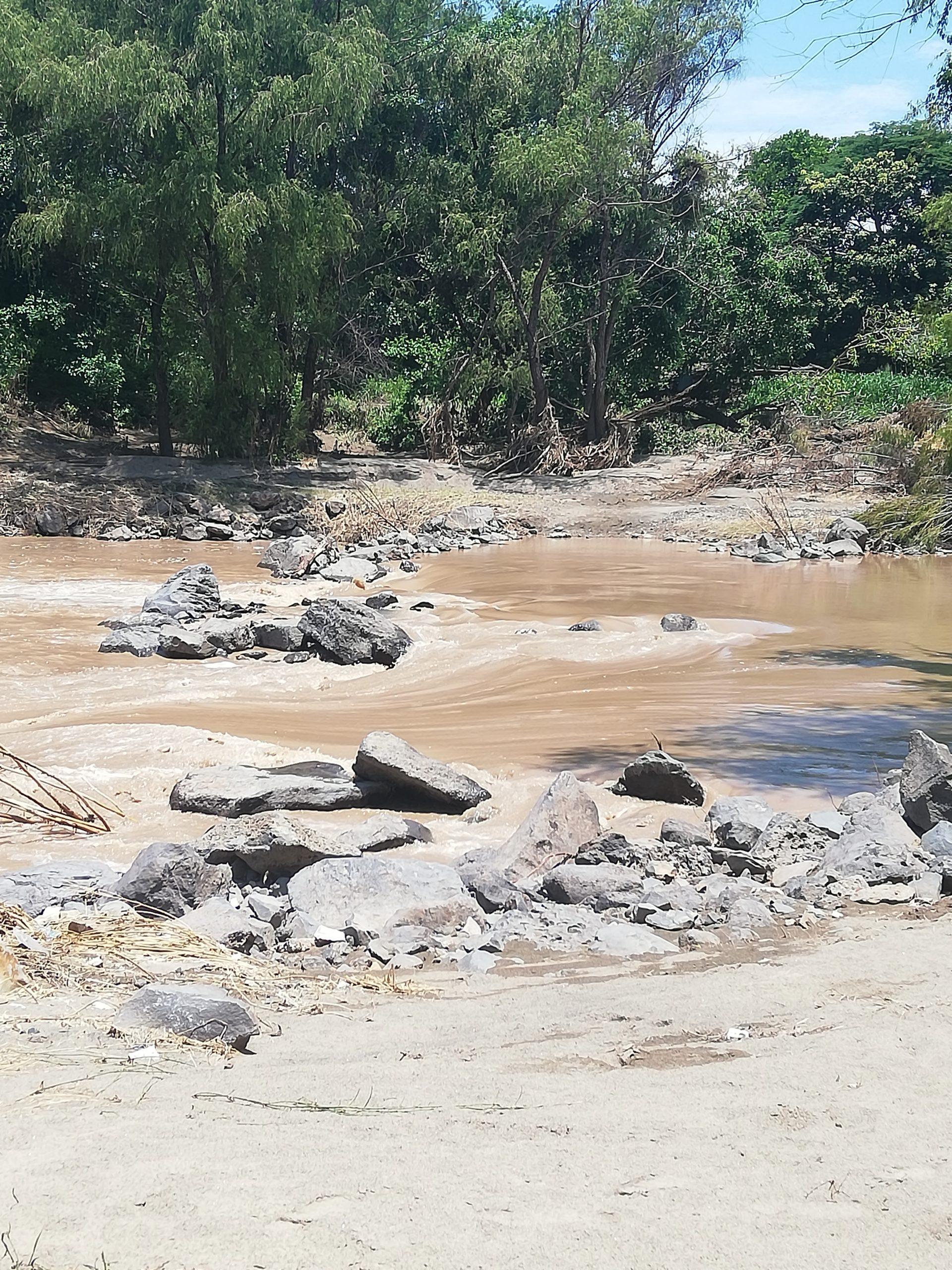 Atención por probabilidad media de deslizamientos, caídas de roca y flujos de escombros, en alrededores del volcán de San Salvador y la cordillera El Bálsamo.
