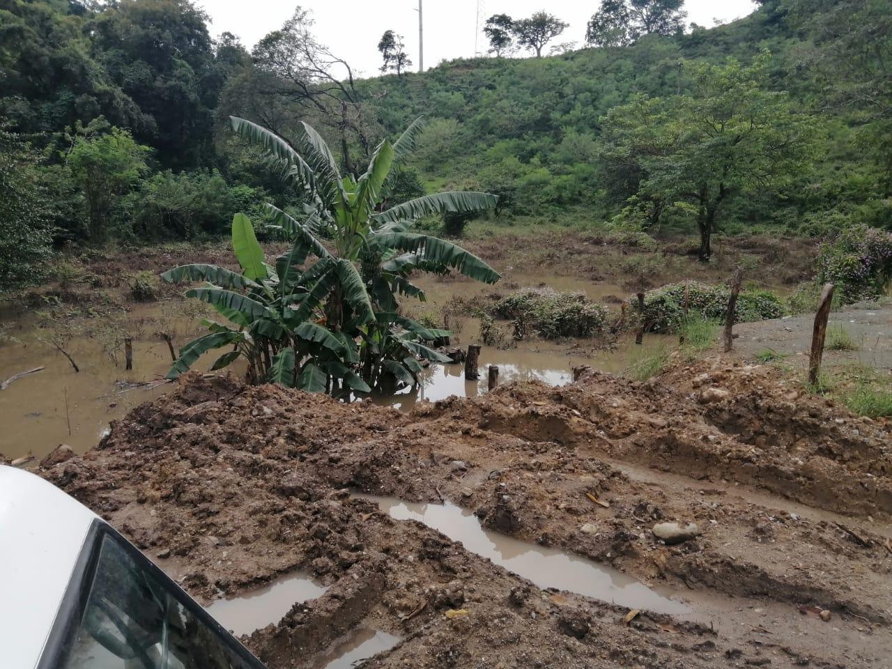 Santa Rosa Guachipilin y Masahuat sufren inundaciones por desbordamiento del rio Lempa