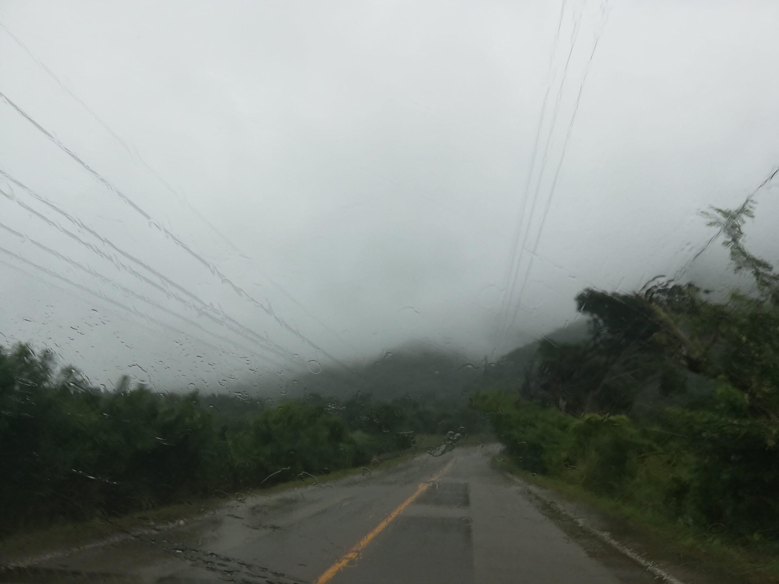 Tomar Acción: Depresión Tropical ETA mantiene lluvias y vientos sobre El Salvador.