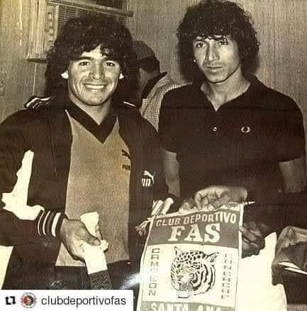 Diego Armando Maradona hoy se convierte en leyenda