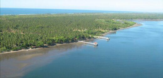 AES lleva energía a 26 familias en isla Corral de Mulas 1